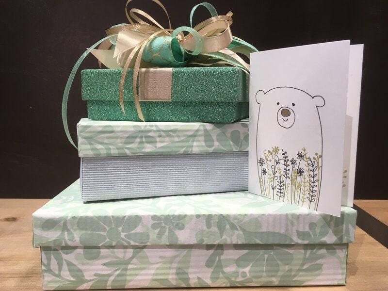 Dāvanu iesaiņošana - dāvanu kastes