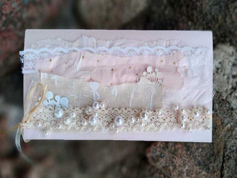 Dāvanu iesaiņošana - maigi rozā dāvanu aploksne ar pērlēm