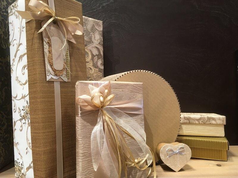 Dāvanu iesaiņošana - dažādas dāvanu kastes