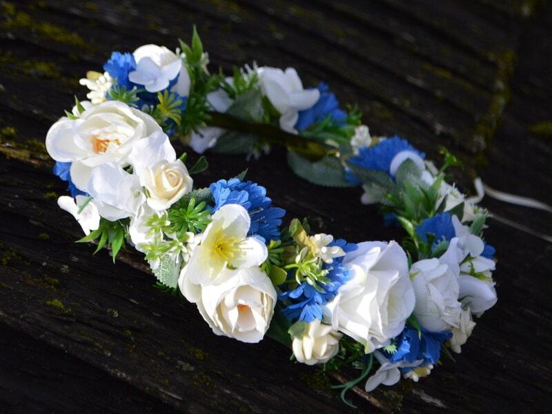 Mākslīgo ziedu vainadziņš ar rudzupuķēm