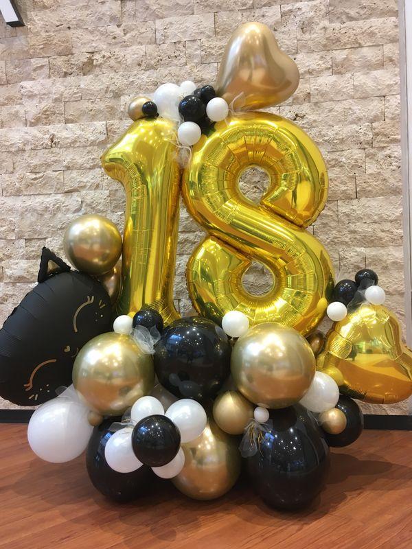 Balonu kompozīcija ar ciparu 18