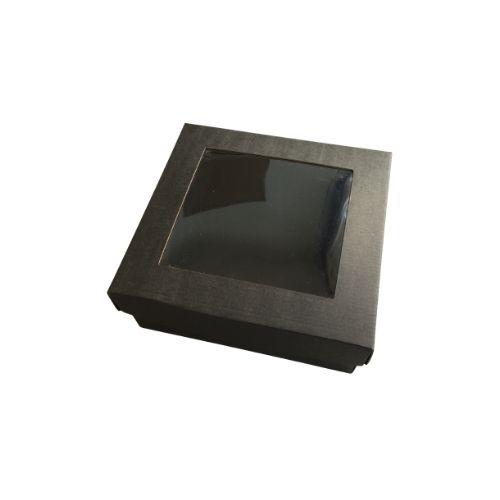Melna kartona kaste ar caurspīdīgu lodziņu