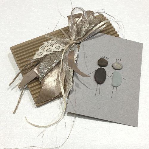Apsveikuma kartīte ar greznu aploksni kāzām